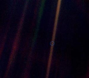 pale-blue-dot-voyager-earth-nasa