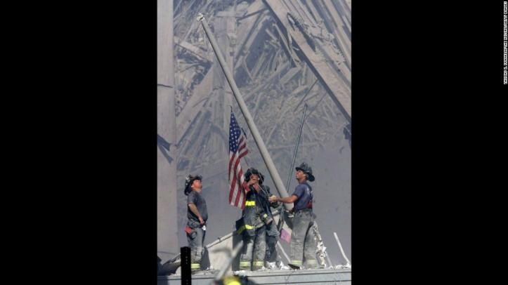 160927104012-911-firefighters-flag-restricted-super-169